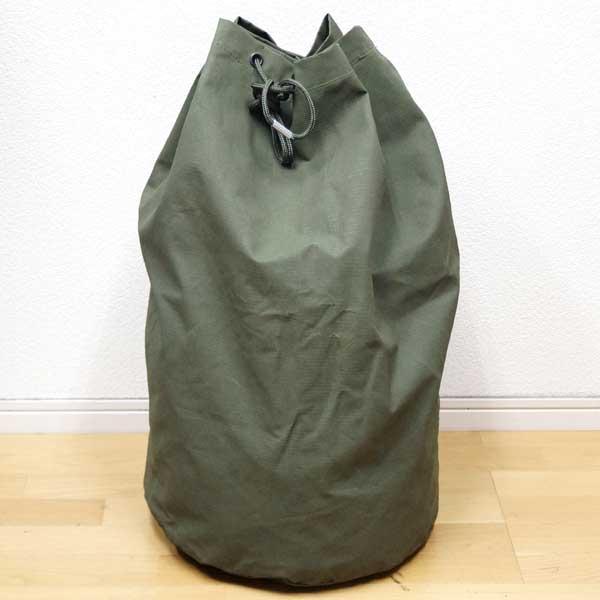 【中古】◆実物 オランダ軍 大型ダッフルバッグ 強化ナイロン素材 オリーブ♪ミリタリー ボストン キャンプ 軍物 アウトドア