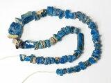 【2002】古代ローマングラス青色残欠片さざれ型ビーズ一連2,とんぼ玉,アンティークビーズ