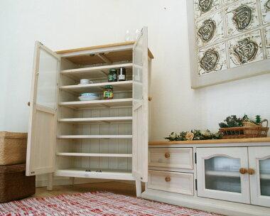 食器棚に、本棚にといろいろ使えます♪大きな収納力