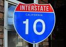 【送料無料】カリフォルニア・10号線★カリフォルニア州・約46×46センチ★アメリカの高速道路の標識★トラフィックサイン★アメリカン雑貨アメリカ雑貨サインプレートメタルプレートガレージインテリアブリキ看板大型看板交通標識