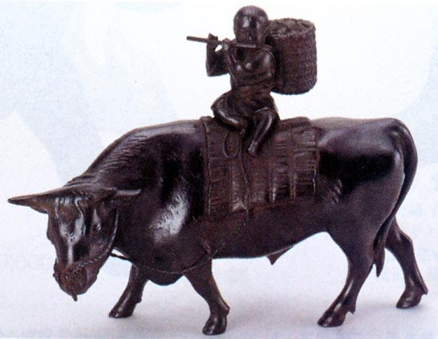 置物 干支■ 笛吹牛童子 ■瑞峰作■青銅(ブロンズ)製 桐箱入り【高岡銅器】開店祝い画像