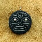 インディアン ジュエリー カナダ 先住民 ネイティブ HAIDA ハイダ族 shirley longboat ARGILLITE アージライト ペンダント SUN 太陽  送料無料
