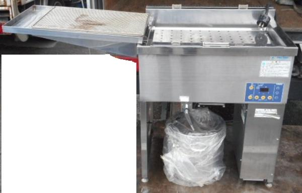 09年製 中部 CHUBU IH ドーナツ フライヤー DF-4D3B 3相200V 6.8kw 17L W70D56H80(+7)cm 60kg ドーナツ押さえ機構付 槽内フラット構造【中古】:良品厨房 シティオ豊橋