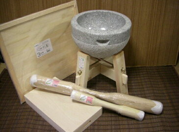 餅つき道具 三升用臼 木台・うさぎ杵L1本 ・S1本・三升用のし板・餅箱セット
