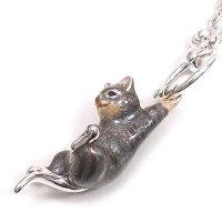 サツルノ:猫のシルバーキーホルダー