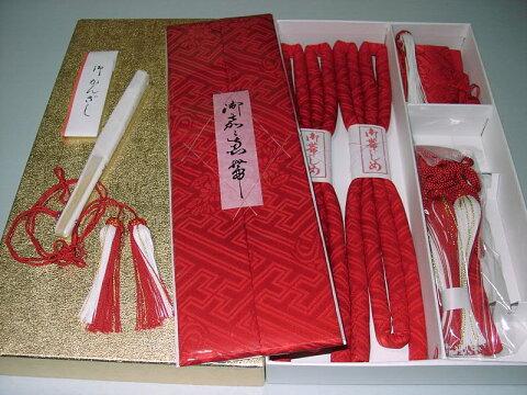 はこせこセット 正絹 赤色 本紋柄 (5品 抱え帯 筥迫 懐剣 末広 丸ぐけ かんざし)