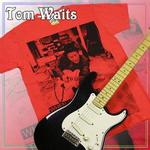 バンドTシャツ トム・ウェイツ Tom Waits 【Tシャツ ファッション メンズ レディース 半袖 ロックTシャツ ミュージシャン ブルース 酒 詩人 俳優】