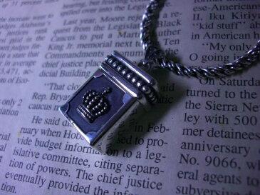 USBメモリ 4GB シルバー ネックレス クラウン 王冠