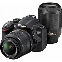 [エントリーでポイント5倍!8/2 23:59まで]送料無料■ニコン デジタル一眼レフカメラ D3200 ...