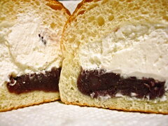 フンワリ可愛いパンの中にフワフワ生クリーム&粒あんがタップリ詰まってます。(クール便対象商...