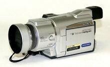 【中古】迅速発送+送料無料+動作保証!!<<概ね美品です>>SONYソニーDCR-TRV70KデジタルビデオカメラレコーダーハンディカムミニDVスーパーナイトショット機能【@YA管理1-53-1070091】