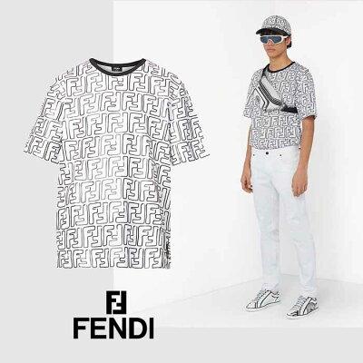 40代メンズに似合うひとクセ白Tシャツ