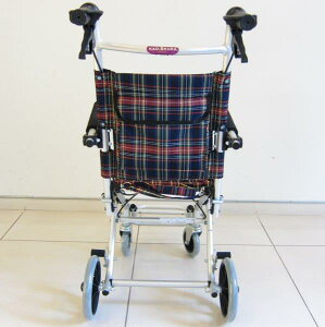 車椅子車イス車いす簡易型介護軽量折りたたみ送料無料カドクラKADOKURAタッチチェックA502-AK