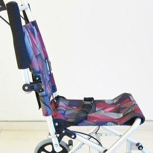 車椅子車イス車いす【タッチ】レッドパープル旅行から室内利用までコレ1台!チョットしたお買い物にも!介護・介助用簡易車椅子軽量コンパクト折りたたみ式介助ブレーキ付きシートベルト簡易型A502-AKRP