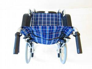 車椅子車イス車いす【ビスケット】便利機能満載!介助・介護用車椅子ブルーチェック軽量背折れ式跳ね上げ式スイングアウトコンパクトノーパンクタイヤ折り畳み介助ブレーキ(ドラム式)B602-AKBkadokura/カドクラ