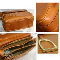 【中古】本物綺麗オールドグッチ男女兼用の丈夫な革素材のショルダーバッグサイズW30H22D11cm
