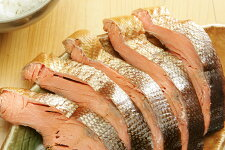 自家製燻製小屋製作紅鮭のくんせい