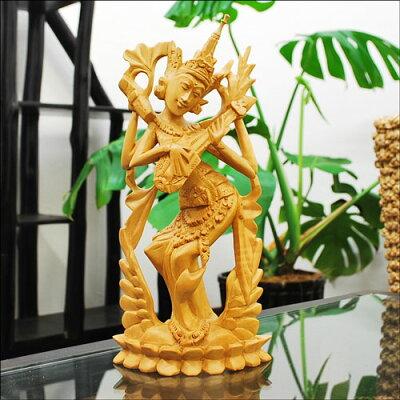 巧みな彫刻技術と天然木の存在感が魅力的なオブジェです♪高級材で作った木彫りのラーマヤナ 高...