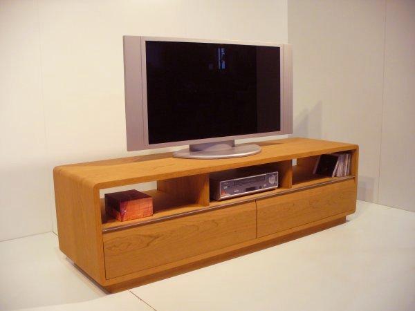 ブラックチェリーのテレビ台[ROUND] シンプル AVボード ミッドセンチュリー アメリカンブラックチェリー      薄型テレビ台 ローボード テレビラック (tv15) TVボード リビングボード 天然木製:家具の工房 MU Factory