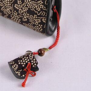 【印傳屋(いんでんや)(印伝)】財布と根付のセット口金式(がまぐち)(72H)(紫地白漆・ぶどう)+根付(ブーツ型)《無料ラッピング承ります》クリスマスプレゼントに最適!