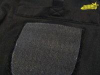 リーグ用ワッペンを付けるためのマジックテープ。胸のポケットは内側への隠しポケット。