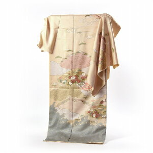 Visiting clothes Full-order Japanese Japanese craftsmen Hand-sewn tailored with emblem cream color Hand-painted cloud pattern with seasonal embroidery [Kimono] / Kimono / Kiso / Attendant / Outing / Casual] [Up to 168 cm tall, up to 69 cm] [Free shipping]