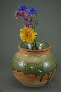 E-2-2伊賀釉大丸2変化花器付き骨壺7号花器としてお花を生けて楽しむ。