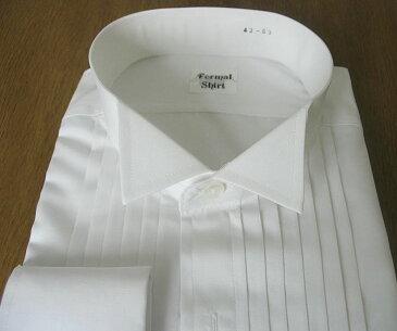 タキシード用のウィングカラーシャツ