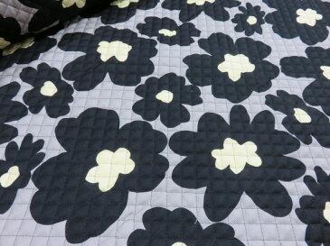 マリメッコ風大きな花柄 ブラック黒 キルト |キルティング|水玉|生地|布|コットンこばやし|女の子|男の子|布団袋|レッスンバッグ|シューズ入れ|体操着入れ |巾着袋|ベビーグッズ|入園準備|こども|ソーイング|子供|手芸|通販|安い|北欧風|