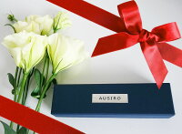 AUSIRO外箱と花とリボン