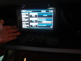 レンジローバーイヴォークカーナビ(社外製)&バックカメラ取付施行一式サービス専用キャンバスアダプター+光ケーブル等含む純正モニターパネル制作含むバックカメラ同時取付可能取付機種確認の上まずはお問合わせください