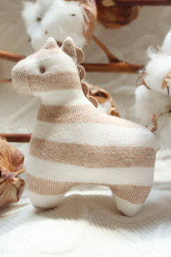 【ネコポス可】ベビー用の小さい安心布おもちゃ 子馬のかわいいぬいぐるみ♪ポニーガラガラ オーガニックコットン プリスティン PRISTINE【あす楽対応】