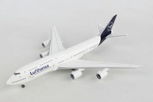 ヘルパウィングス 1/500 ルフトハンザ航空 B747-8i n/c D-ABYA (531283) 通販 プレゼント 飛行機 航空機 完成品 模型