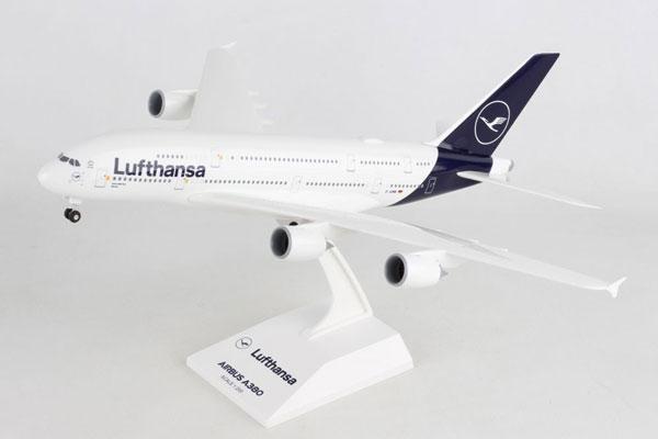 SKYMARKS 1/200 ルフトハンザ航空 A380 スタンド付き ギア付き (SKR1032) 通販 プレゼント 飛行機 航空機 半完成品 模型