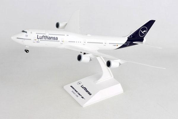SKYMARKS 1/200 ルフトハンザ航空 B747-8i スタンド付き ギア付き (SKR1040) 通販 プレゼント 飛行機 航空機 半完成品 模型