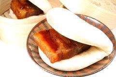 100%鹿児島黒豚を使用した角煮まんじゅうです!冷凍保存で、おやつに夜食にいつでも手軽に食べ...