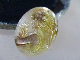 婦女的白殼黑色的長頭髮---珍珠母殼蝴蝶吊墜項鍊 21 在製作串珠的飾品部建議的 ! 美好的禮物母親的珍珠從南太平洋,到藍色的一件外衣