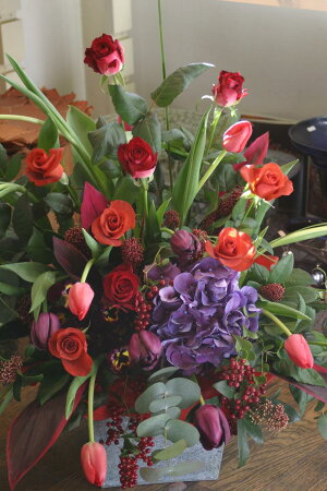 【ビジネス開業祝い開店オープン歓迎・退職用・移転祝い・】などに季節のお花を使って、ご指定日にお届けいたします!!10P21Jul09