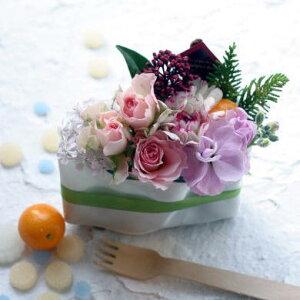 誕生日結婚記念日お見舞い開店ビジネス開業改築新築お祝いなど季節のお花を使ったフラワーケーキアレンジ!!今月のイチオシ!送料無料!ショートケーキアレンジとルームフレグランスのセット