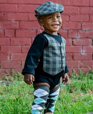 【メール便可】 Rugged Butts 黒チェックベスト 長袖ロンパース ボディスーツ ワンピース 結婚式 誕生日 おめかしに Black w Jaxson Plaid Vest LS One-Piece ★ラゲッドバッツ 赤ちゃん 1歳 2歳 かわいい おしゃれ 海外 ブランド