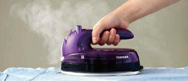 東芝TOSHIBAコードレススチームアイロン「美ラクルLa・Coo」TA-FLW910-Vバイオレット[ハンガーショット機能付き][ハンディアイロンコードレスTAFLW910V]