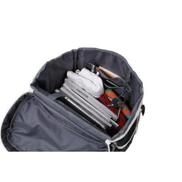 A3サイズの収納にも対応しており、まさしく大容量。箱のような形だからこそ、ものを整理整頓しやすいですよ。その他、ノートパソコン収納に特化したパッド付き収納スペースがあったり、上部やサイドにミニポケットが付いていたり…。小物も収納しやすくて、機能性◎。