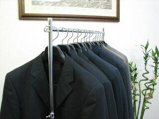 ハンガーラックプロS600イメージ1・スーツをたくさん掛けてもぐらつかない