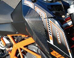 KTM390DUKEタンクサイドパッド綾織りカーボン製MAGICALRACING(マジカルレーシング)