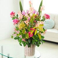 デザイナーがお仕立てする開店祝いや結婚式などに最適なお祝い花です。