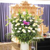 告別式や告別式にお届けするお供え花としては標準的なコースです。