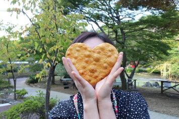 ハート大しょうゆ煎餅/大きな愛をお届け/バレンタイン/プレゼント/ジャンボせんべい02P05Sep15