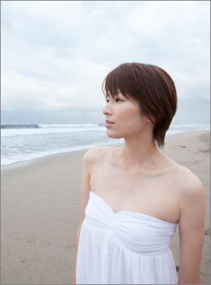 【送料無料】吉瀬美智子オフィシャルカレンダー(2011) [ 吉瀬美智子 ]
