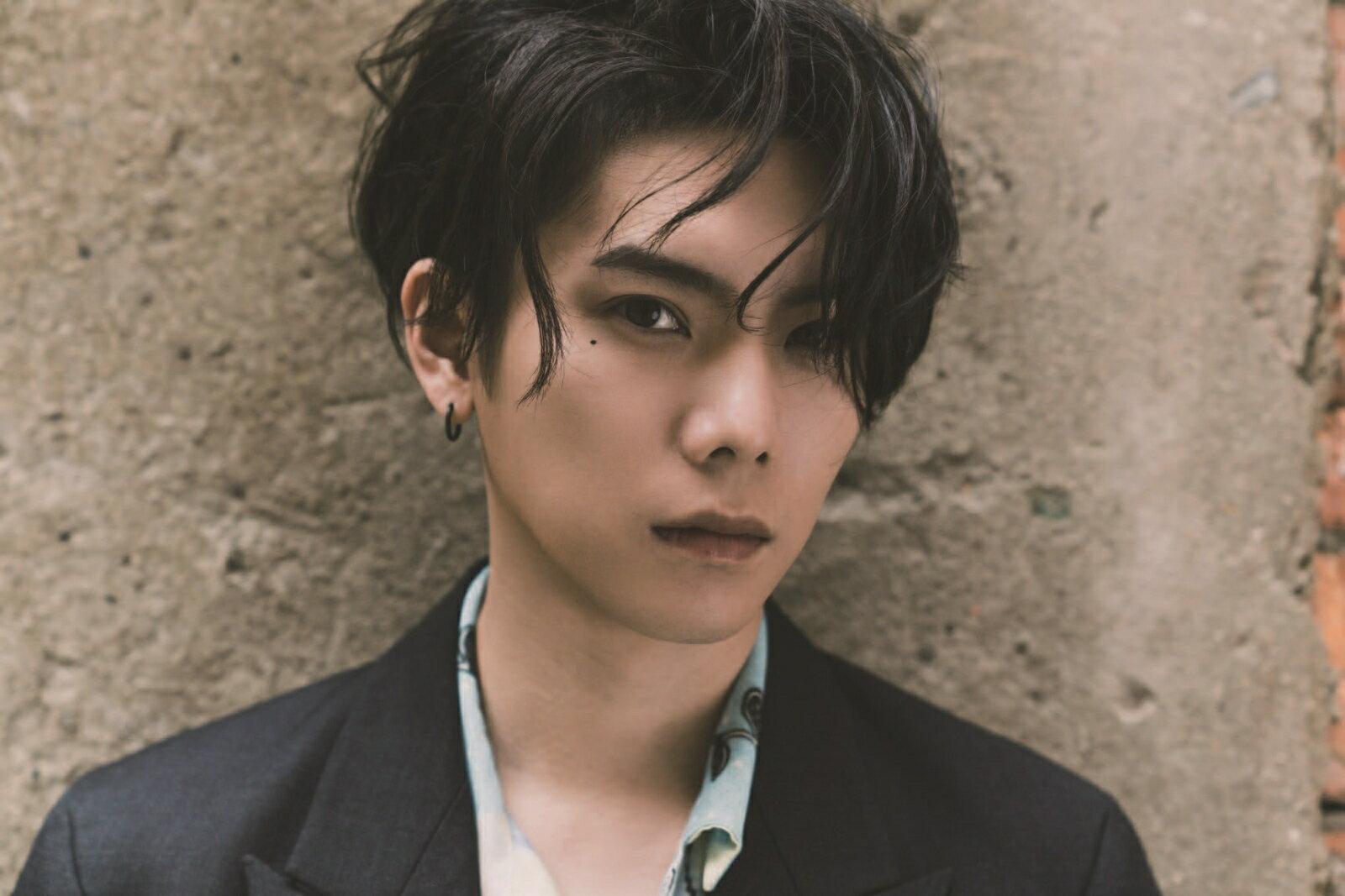 【楽天ブックス限定特典】Half YU 1st photo book(インスタ風プラカード)