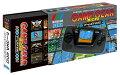 「ゲームギアミクロ」全4色と、「楽天ブックス」限定商品2種類、4色セット購入特典の「ビッグウィンドーミクロ」が含まれるセットです。   <収録タイトルピンズ16点セット> 各本体に内蔵されている名作ゲームソフトの販売当時のデザインをモチーフとしたピンバッチが、合計16点付属します。  <特製コレクションボックス> 全4色の「ゲームギアミクロ」を収納できる特製コレクションボックスが付属します。   ゲームギア30周年記念 ミニを超える「ミクロ」登場    セガの歴史上、唯一の携帯専用ゲーム機であった「ゲームギア」。他に先駆けたカラー液晶の携帯ハードとして、世界中のゲームファンに愛されました。そんなゲームギアが発売30周年になることを記念し、その魅力を極限まで凝縮した「遊べるマスコット」となって復活します。 本体サイズはオリジナルの40%弱という極小! ミクロサイズ。4色のカラーバリエーションを同時発売し、それぞれ4種類のゲームを内蔵。 ソニックやぷよぷよ通、シャイニング・フォースに女神転生が、約1インチのモニタで甦ります。部屋に飾るもよし、ゲームをクリアするまで遊び込むもよし。 ミニの次は「ゲームギアミクロ」! 30周年のメモリアルデー、10月6日に発売予定です。   ◆ゲームギアが遊べるマスコットになって復活!  カラー液晶の携帯ゲーム機「ゲームギア」が、ミニより小さい「ミクロ」なマスコットになって復活! 当時のデザインほぼそのまま、タブレット菓子ケース程度の極小サイズに小型化しました。1インチのモニタと各種ボタンは実際にゲームを遊ぶことができます。単4電池2本での動作のほか、USBケーブルを使えば長時間のプレイも可能です。   ◆4色カラーバリエーション、各4種類の名作ゲームを収録  本体カラーは当時と同じくブラック・ブルー・イエロー・レッドの4種類を用意。それぞれに当時の名作ゲームが、4本ずつ内蔵されています。メガドラミニと同様、中断セーブ機能も搭載していますので、当時クリアできなかったあのゲームのエンディングも見られるかも?   ◆収録ゲーム  ブラック:ソニック・ザ・ヘッジホッグ、ぷよぷよ通、アウトラン、ロイアルストーン 〜開かれし時の扉〜 レッド:ソニック&テイルス、ガンスターヒーローズ、シルヴァンテイル、ばくばくアニマル イエロー:シャイニング・フォース外伝 遠征・邪神の国へ、シャイニング・フォース外伝II 邪神の覚醒、シャイニング・フォース外伝 ファイナルコンフリクト、なぞぷよ アルルのルー レッド:女神転生外伝ラストバイブル、女神転生外伝ラストバイブルスペシャル、The GG忍、コラムス   ◆メガドライブミニ製作スタッフが再結集! こだわりのクオリティ  令和の始まりを盛り上げたミニゲーム機「メガドライブミニ」の製作スタッフが、本プロジェクトのために再結集。小さいながらもゲームが遊べてしまう、ミニチュアトイとしての高い完成度を実現しています。ソフトウェア部分は引き続き有限会社エムツーが担当。今回もこだわり抜いた再現度と完成度で、ミクロサイズとは思えないビッグな楽しさをご提供します。   【仕様】  本体サイズ:幅約80mm×高さ約43mm×奥行約20mm 画面サイズ:1.15インチ(240x180 pixel) 音声出力:モノラルスピーカー、3.5mmステレオヘッドホンジャックx1 電源:単4乾電池2本(別売)、USBマイクロ端子での電源供給も可能   【セット内容】  本体…1台 取扱説明書兼保証書 ※本商品に単4電池、USBケーブルは付属しません。本品を使用するには、単4乾電池2本もしくは市販のUSBケーブル(MicroBタイプ)とUSB対応ACアダプターが必要です。 ※本品では収録されているゲームソフトをお楽しみいただけます。ゲームをダウンロードしたり、ゲームギアソフトを差し込んで遊ぶことはできません。    ©SEGA